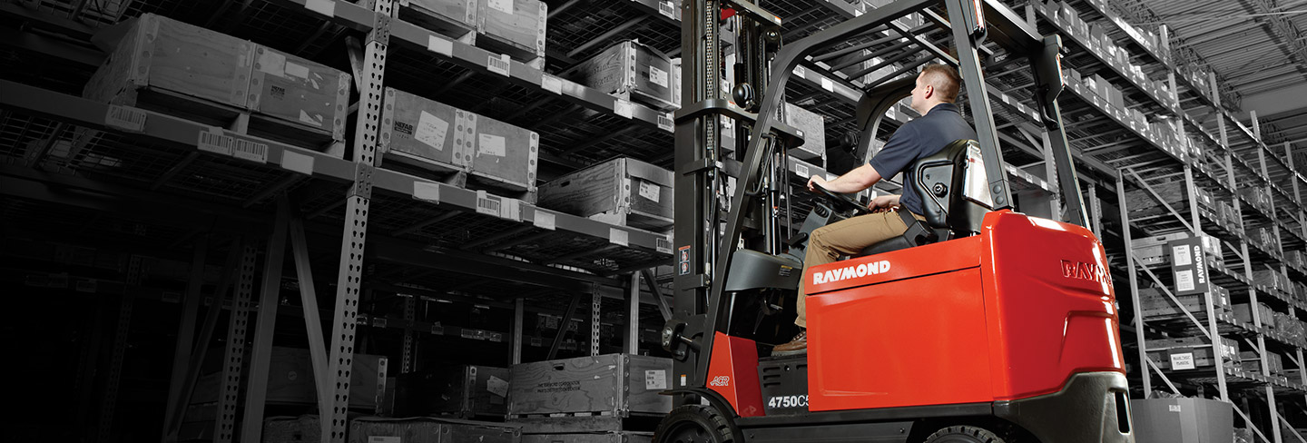 sit down forklift, large forklift, counterbalanced forklift