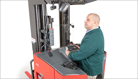 Raymond reach truck, iWAREHOUSE fleet management system, telematics, operator display