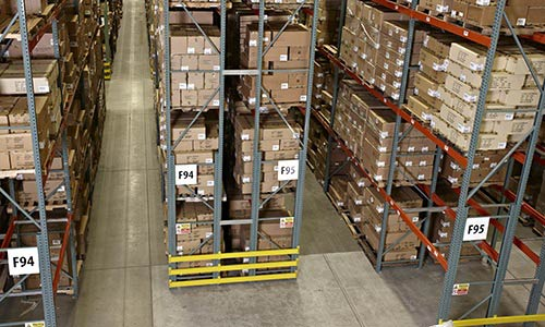 pallet racking, very narrow aisle warehouse