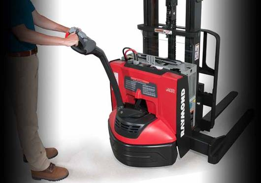 Raymond 6210 Walkie Straddle Stacker; Walkie Pallet Stacker with static torque control