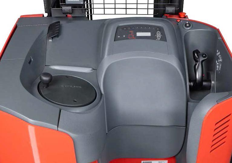 Raymond 7310 4-Directional reach operator compartment