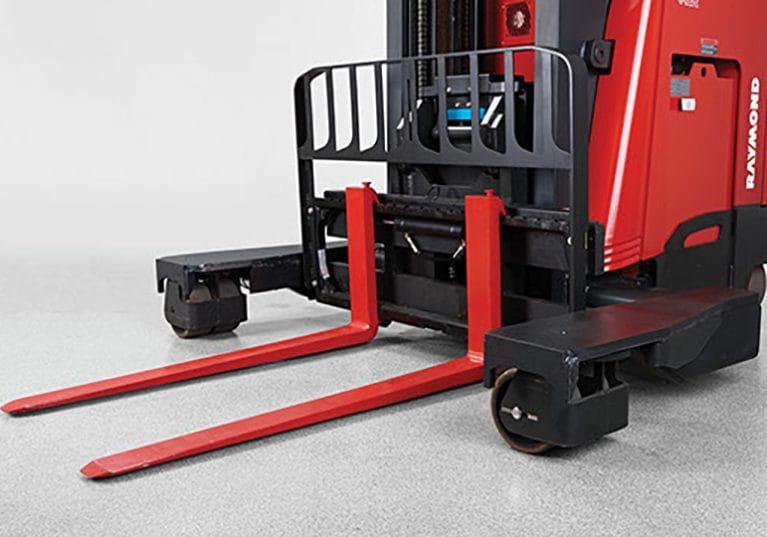 Raymond 7310 4-Directional Reach Truck, Long Load Forklift multi-directional wheels