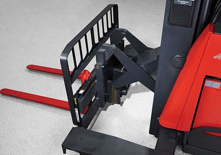 Raymond 7310 4-Directional Reach Truck, Long Load Forklift reach mechanism
