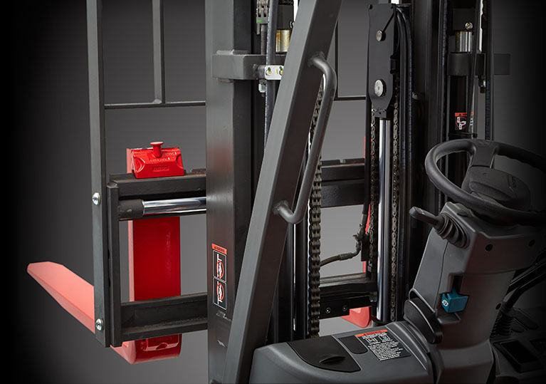 Raymond forklift integrated sideshift