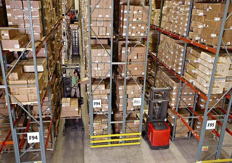 Raymond 5000 Series Order Picker Truck