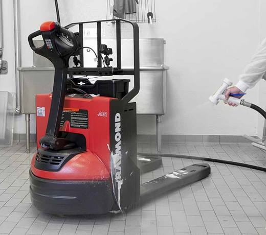 Power Pallet Jack, Raymond 8210 Walkie Pallet Jack, Pallet Jack washdown at food processing plant