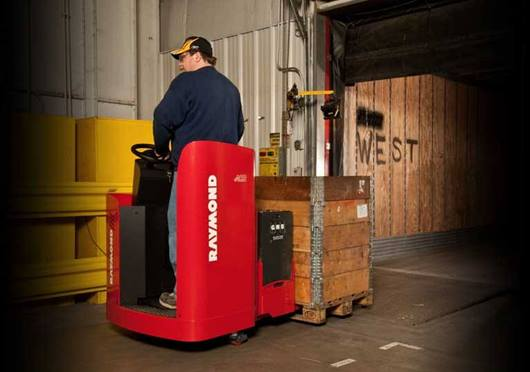 Raymond 8900 Riding Pallet Truck quick acceleration