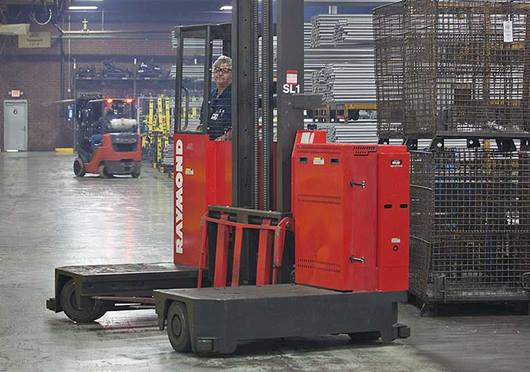 Raymond Sideloader Long Load Fork lift
