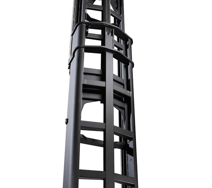 Raymond 9800 Swing-Reach Truck Triplex Mast