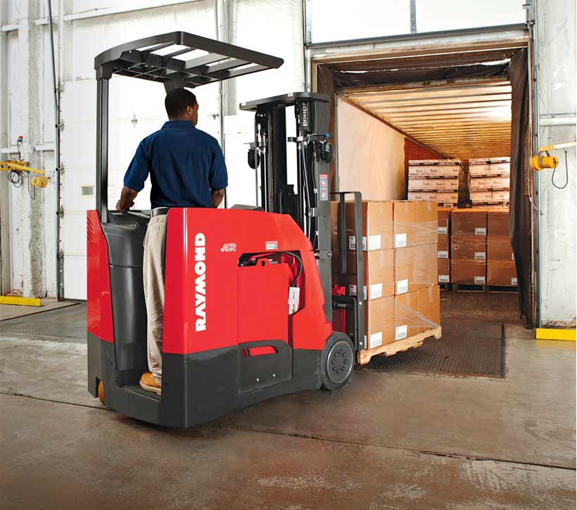 Raymond 4250 Stand Up Forklift Dock Work