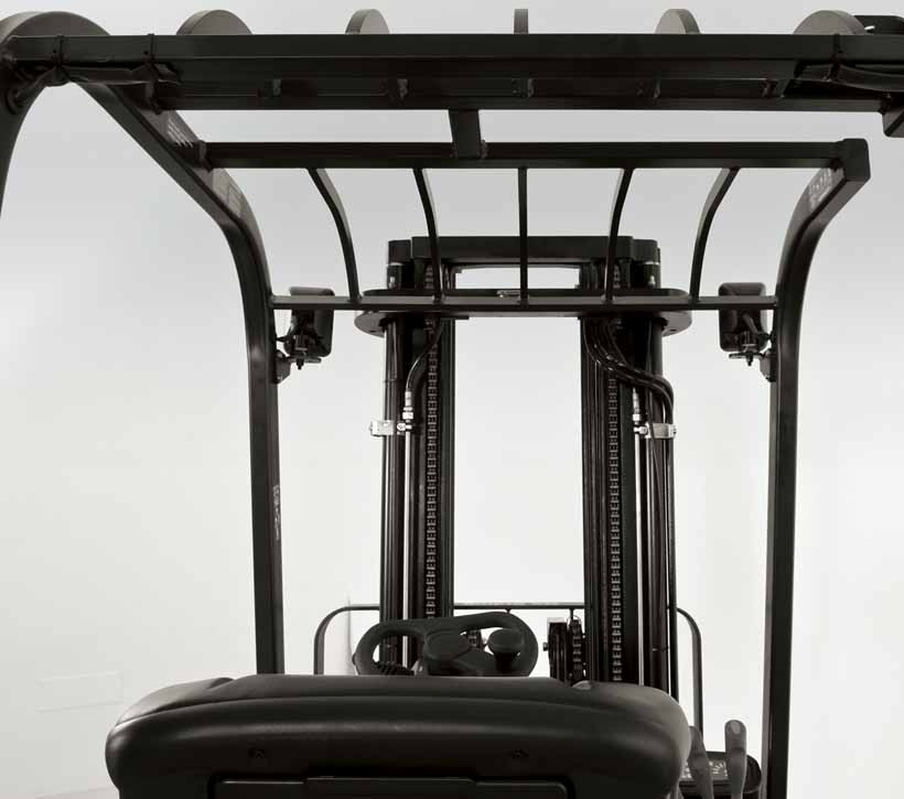Raymond 4450 Sit Down Counterbalanced Forklift clear view mast design