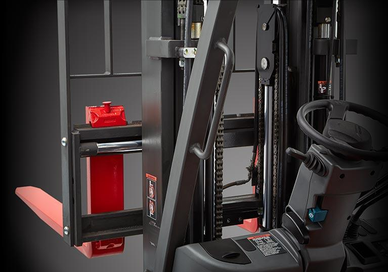 Raymond sit down forklift with integral sideshift