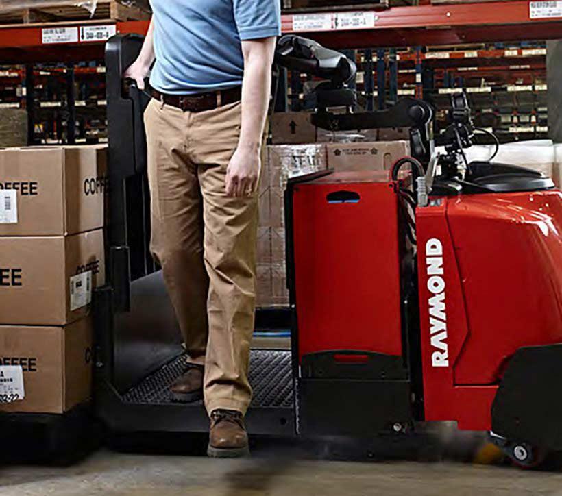 Raymond 8510 Center Riding Pallet Truck Low Step Height