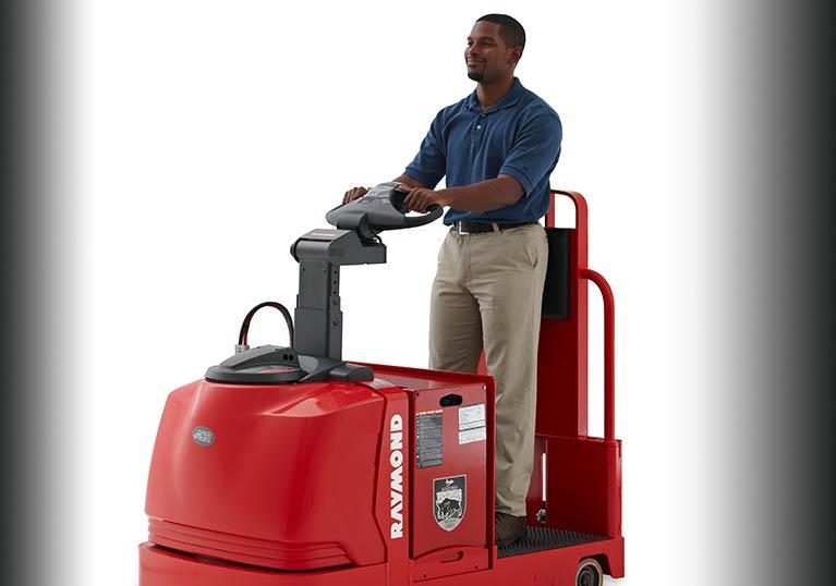 Raymond 8610 tow tractor operator
